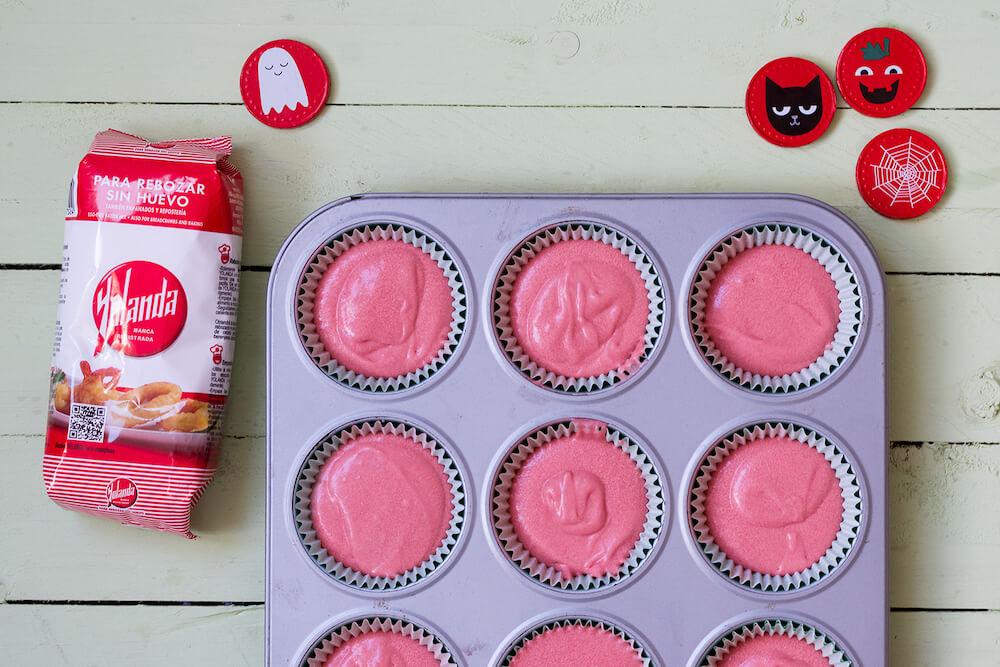 Cupcakes de red velvet con inspiración de halloween