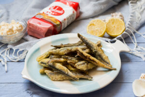 Boquerones fritos con mayonesa de puerros